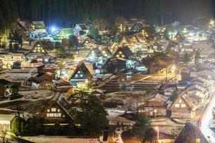 冬の白川郷の写真素材 [FYI00893918]