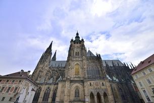 聖ヴィート大聖堂「南面」(チェコ・プラハ歴史地区)の写真素材 [FYI00894108]
