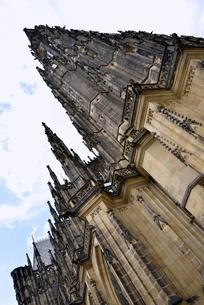 聖ヴィート大聖堂「北西面」(チェコ・プラハ歴史地区)の写真素材 [FYI00894113]