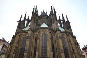 聖ヴィート大聖堂「東面」(チェコ・プラハ歴史地区)の写真素材 [FYI00894114]
