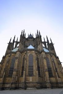 聖ヴィート大聖堂「東面」(チェコ・プラハ歴史地区)の写真素材 [FYI00894115]