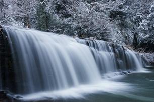 冬の宮島峡 二の滝の写真素材 [FYI00894553]