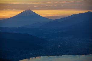 高ボッチからの夜明けの写真素材 [FYI00894563]