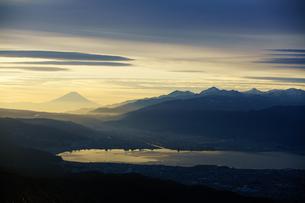高ボッチからの夜明けの写真素材 [FYI00894567]