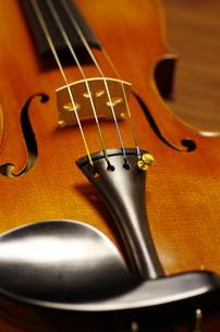 ヴァイオリンの写真素材 [FYI00894910]