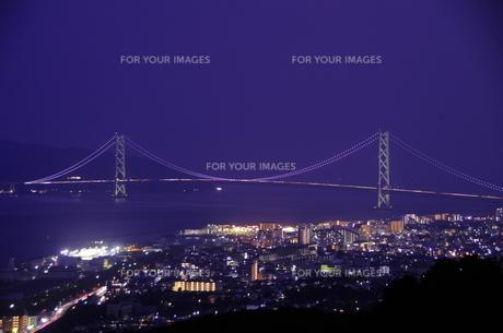 明石海峡大橋の夜景の写真素材 [FYI00894918]
