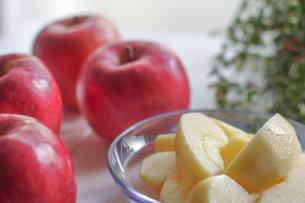 秋の味覚、林檎の写真素材 [FYI00894948]