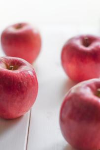 秋の味覚、林檎の写真素材 [FYI00894963]