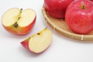秋の味覚、林檎の写真素材 [FYI00895009]