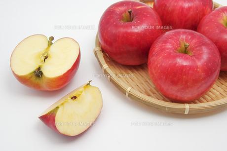 秋の味覚、林檎の写真素材 [FYI00895011]