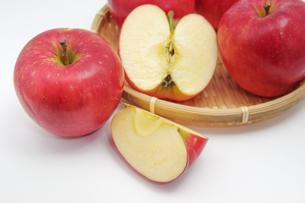 秋の味覚、林檎の写真素材 [FYI00895014]