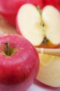 秋の味覚、林檎の写真素材 [FYI00895016]