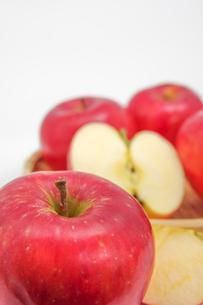 秋の味覚、林檎の写真素材 [FYI00895019]