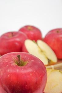 秋の味覚、林檎の写真素材 [FYI00895021]