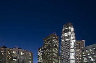 新宿駅西口高層ビル群の素材 [FYI00895583]
