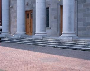 石造りの建物の柱の素材 [FYI00896326]
