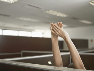 Office worker stretching (close-up)の素材 [FYI00899929]