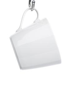 Mug hanging from hook (close-up)の素材 [FYI00900065]