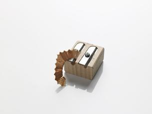 Pencil shavings on sharpenerの素材 [FYI00900090]