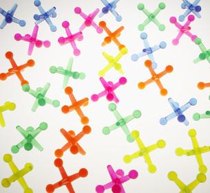Colorful Cross Shaped Plastic Objectsの素材 [FYI00905203]