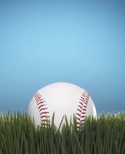 Baseball on Grassの素材 [FYI00905284]