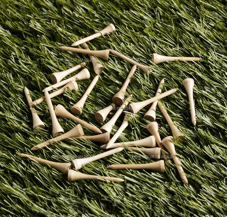 Golf Tees on Grassの素材 [FYI00905335]