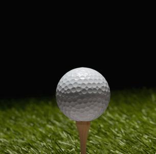Golf Ball on Teeの素材 [FYI00905340]
