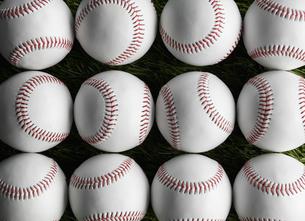 Baseballs in Rowsの素材 [FYI00905384]