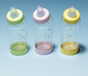 Three Baby Bottlesの素材 [FYI00905451]