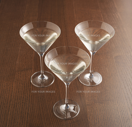 Three Martini Glassesの素材 [FYI00905475]