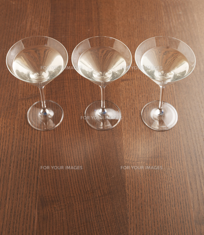 Three Martini Glassesの素材 [FYI00905494]
