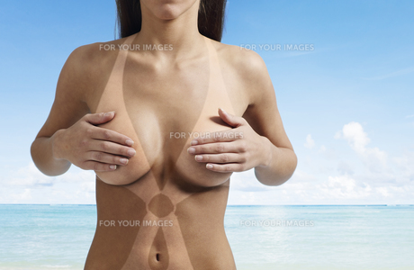 Naked Woman with Tan Linesの素材 [FYI00906051]