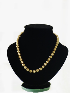 Pearls on Jewelry Standの素材 [FYI00906413]