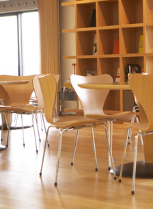 Tables and Chairs in Cafeの素材 [FYI00907185]
