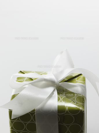 Single Gift with Ribbon Bowの素材 [FYI00907202]