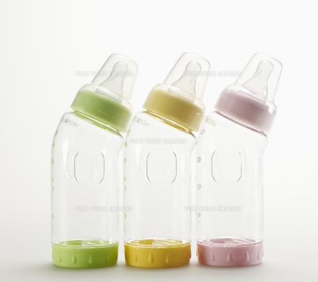 Three Baby Bottlesの素材 [FYI00907360]
