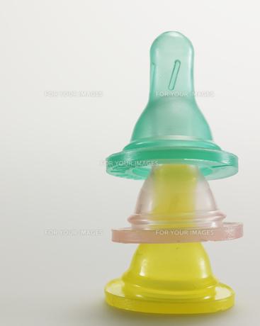 Stack of Baby Bottle Nipplesの素材 [FYI00907368]