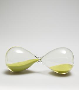 Single Hourglass Sidewaysの素材 [FYI00907379]