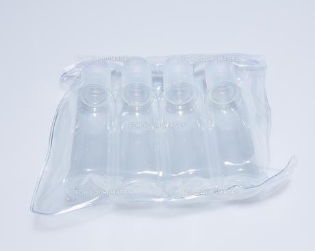 Plastic Bottles in Plastic Bagの素材 [FYI00907540]