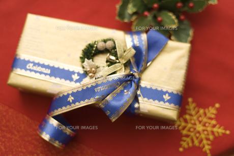 クリスマスプレゼントの素材 [FYI00909076]