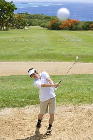 日本人男性ゴルファーの素材 [FYI00911341]