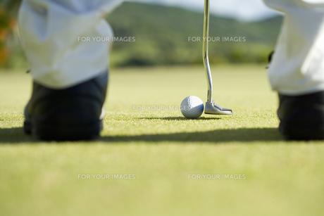ゴルファーの足元の素材 [FYI00911398]