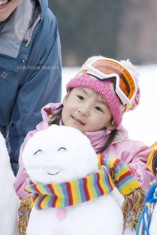 雪だるまと女の子の素材 [FYI00912150]