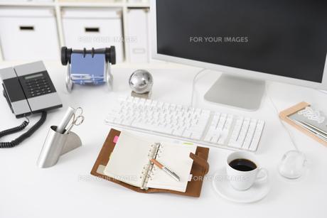 オフィスのデスクイメージの素材 [FYI00913842]