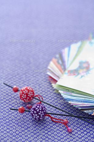 かんざしと和風の折り紙 正月イメージの素材 [FYI00914522]