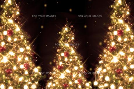 クリスマスツリーのイルミネーションイメージの素材 [FYI00914691]