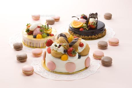 マカロンとデコレーションケーキの素材 [FYI00915137]