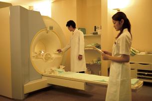 CTスキャン室の素材 [FYI00915268]
