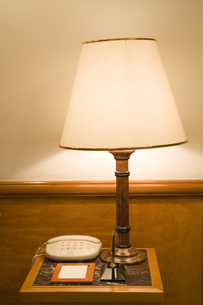 照明と電話機の素材 [FYI00915396]