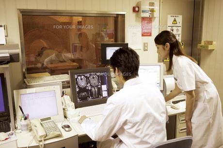 MRI検査の素材 [FYI00915557]
